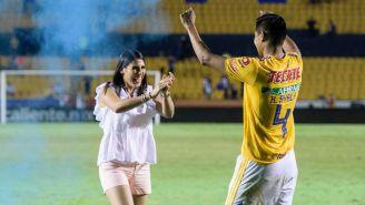 Ayala y su mujer celebran la llegada de su próximo hijo