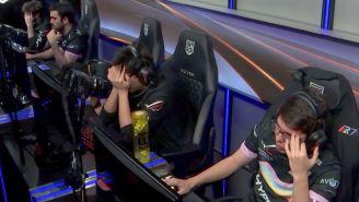 Los jugadores de Rainbow7 se lamentan tras caer contra Dash9