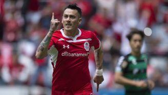 Rubens Sambueza festajando su gol frente a Santos