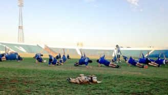 Tesapara junto a Club Sportivo 2 de Mayo en un entrenamiento