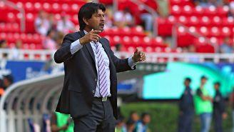 Cardozo en un partido con Chivas