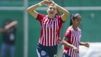 Norma Duarte celebra anotación con las Chivas