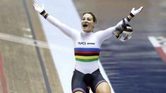 Kristina Vogel festeja tras ganar una competencia en 2017