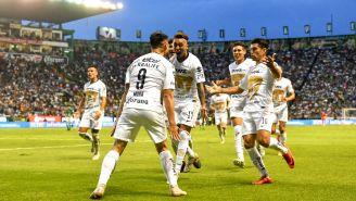 Pumas festeja triunfo frente a León en la J8