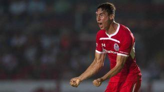 Adrián Mora festeja su gol en el partido frente a Veracruz