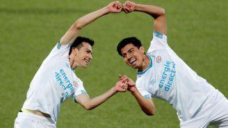 Hirving Lozano festeja gol de Érick Gutiérrez con el PSV