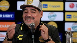 Maradona en su presentación con Dorados