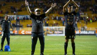 Maradona celebra triunfo en su debut con Dorados