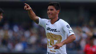 Alustiza celebra un gol con Pumas en la J9 del A2018