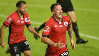 Javier Ramos festeja gol con Lobos BAUP