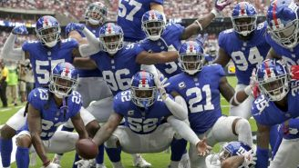 Jugadores de Giants festejan en el juego vs Texans