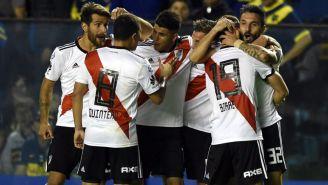 River Plate en festejo tras una anotación frente al Boca Juniors