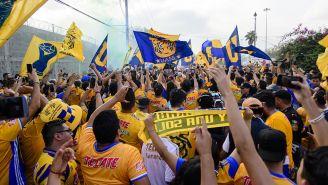 Fans de Tigres, previo al inicio del duelo ante Rayados