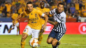 Acciones del encuentro entre Tigres y Rayados en el Estadio Universitario