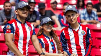 Aficionados de Chivas, durante un partido en el Estadio Akron