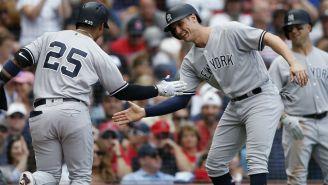 Gleyber Torres y Greg Bird celebran en juego de los Yankees