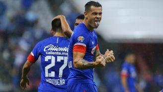 Milton Caraglio, en festejo de gol durante la J10
