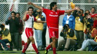 José Saturnino Cardozo festeja un gol con Toluca