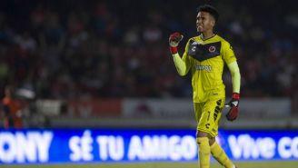 Pedro Gallese en un partido con Veracruz