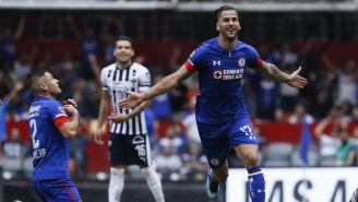Édgar Méndez celebra gol contra Monterrey