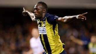 Usain Bolt en un partido con los Mariners