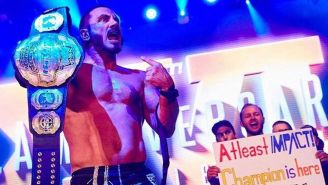 Austin Aries hace su entrada a Bound For Glory