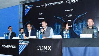 Conferencia de prensa para presentar el Triatlón Powerade