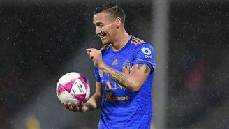 Jesús Dueñas durante un partido de Tigres