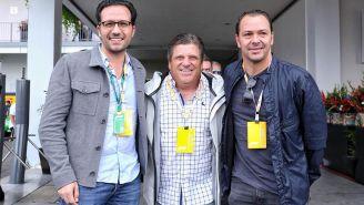 Directivos y entrenador del Club América en el GP de México