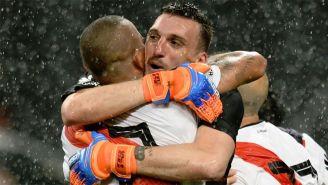 Franco Armani abraza a Maidana tras pasar a la Final
