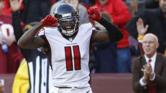 Julio Jones festeja un touchdown frente a Redskins