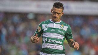Brian Lozano en lamento tras fallar una oportunidad de gol
