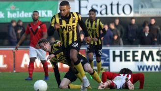 Acción del encuentro entre Rijnsburgse Boys y el AFC