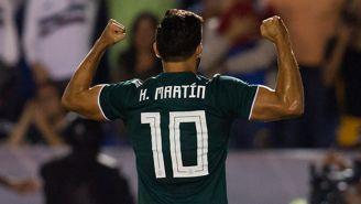 Henry Martin celebra su gol con la Selección Mexicana