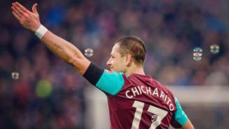 Chicharito festeja gol con el West Ham