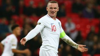 Wayne Rooney durante partido de Inglaterra