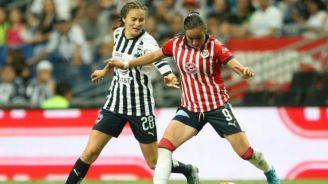 López y Viramontes durante un partido