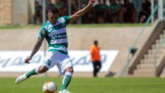 Javier Cortés durante un partido contra Veracruz
