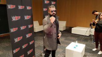 Andarde 'Cien' Almas en la conferencia de prensa de WWE