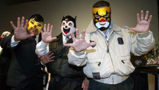 Súper Muñeco, Súper Ratón y Súper Pinocho posan para la foto