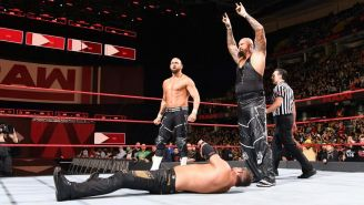 Luke Gallows y Karl Anderson después de una lucha