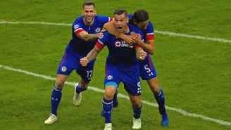Milton Caraglio festeja su gol ante Monterrey