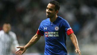 Adrián Aldrete durante un partido con Cruz Azul