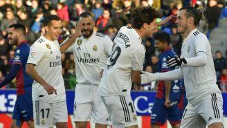 Jugadores del Real Madrid festejan gol vs Huesca