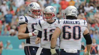 Brady, Gronkowski y Andrews tras una jugada vs Miami