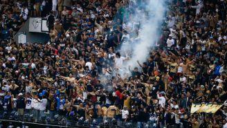 Aficionados de Pumas en el Azteca