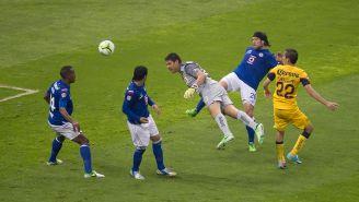 Moisés Muñoz remata de cabeza para darle el empate al América