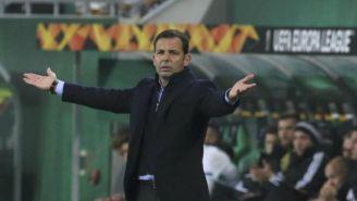 Javier Calleja reclama durante un partido