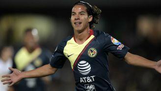 Diego Lainez celebra su anotación ante Pumas