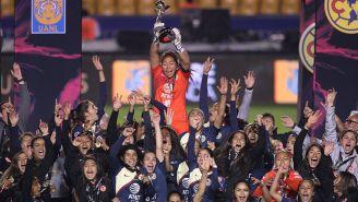 Jugadoras del América festejan título de Liga